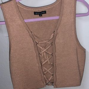 Brand New Kylie+Kendall Cropped tie up shirt